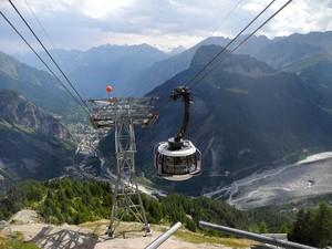Skyway_Mont_Blanc_Courmayeur.JPG.300x0_q90_crop-scale.jpg
