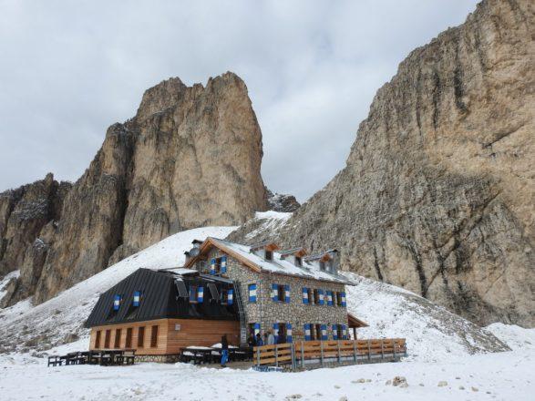 Il-paesaggio-invernale-al-rifugio-Antermoia-1024x768.jpg