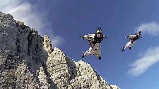 Base-jumping.jpg